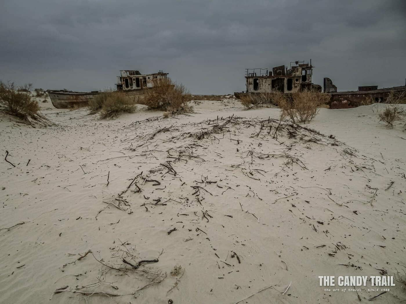 images aral sea ships pictures in sand at moynaq in uzbekistan