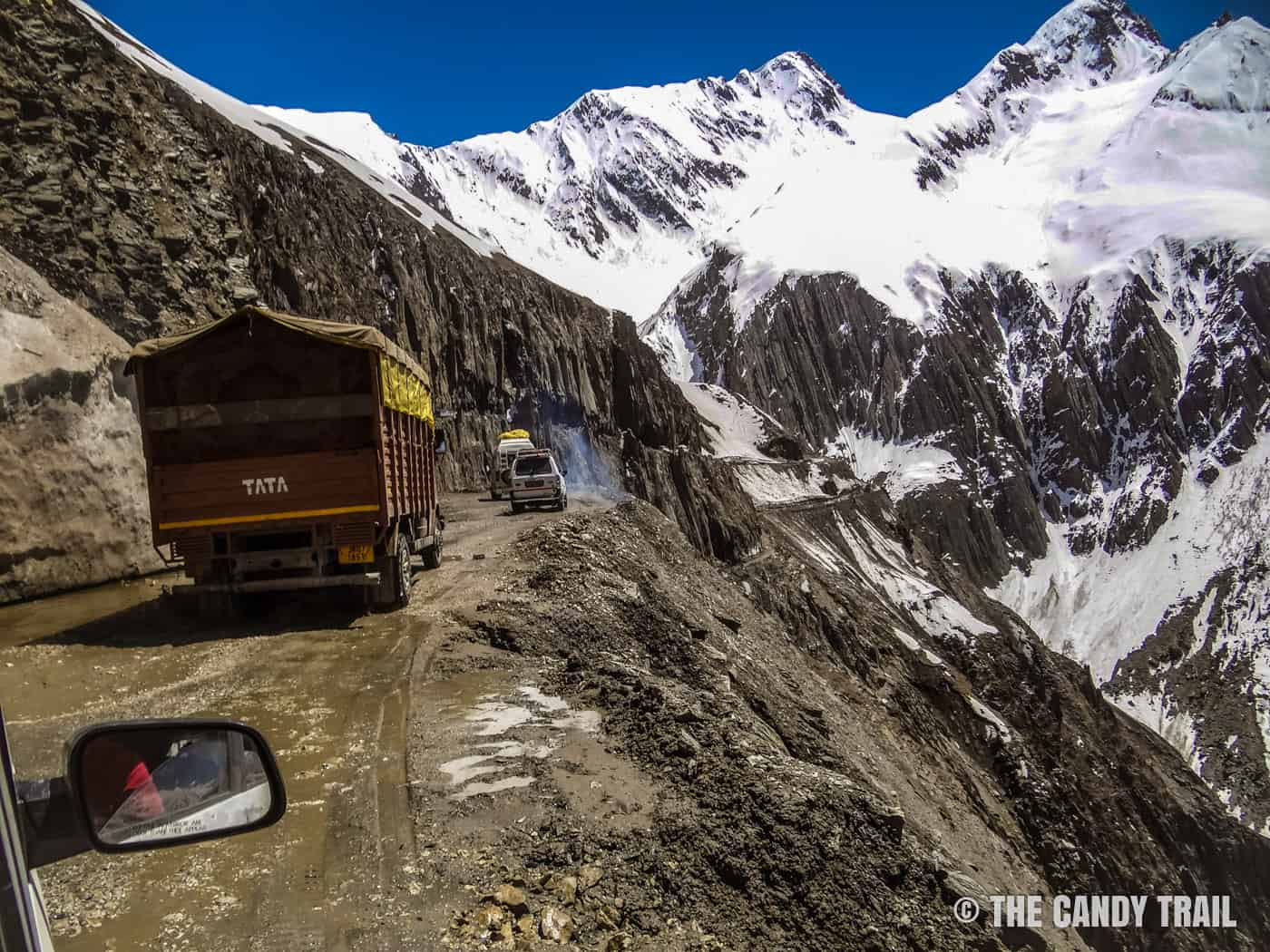 leh-highway-trucks-on-mountain-road