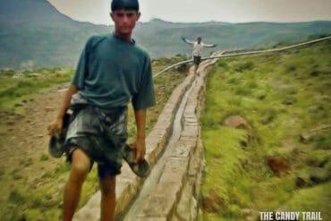 boys crazy surfing yemen video