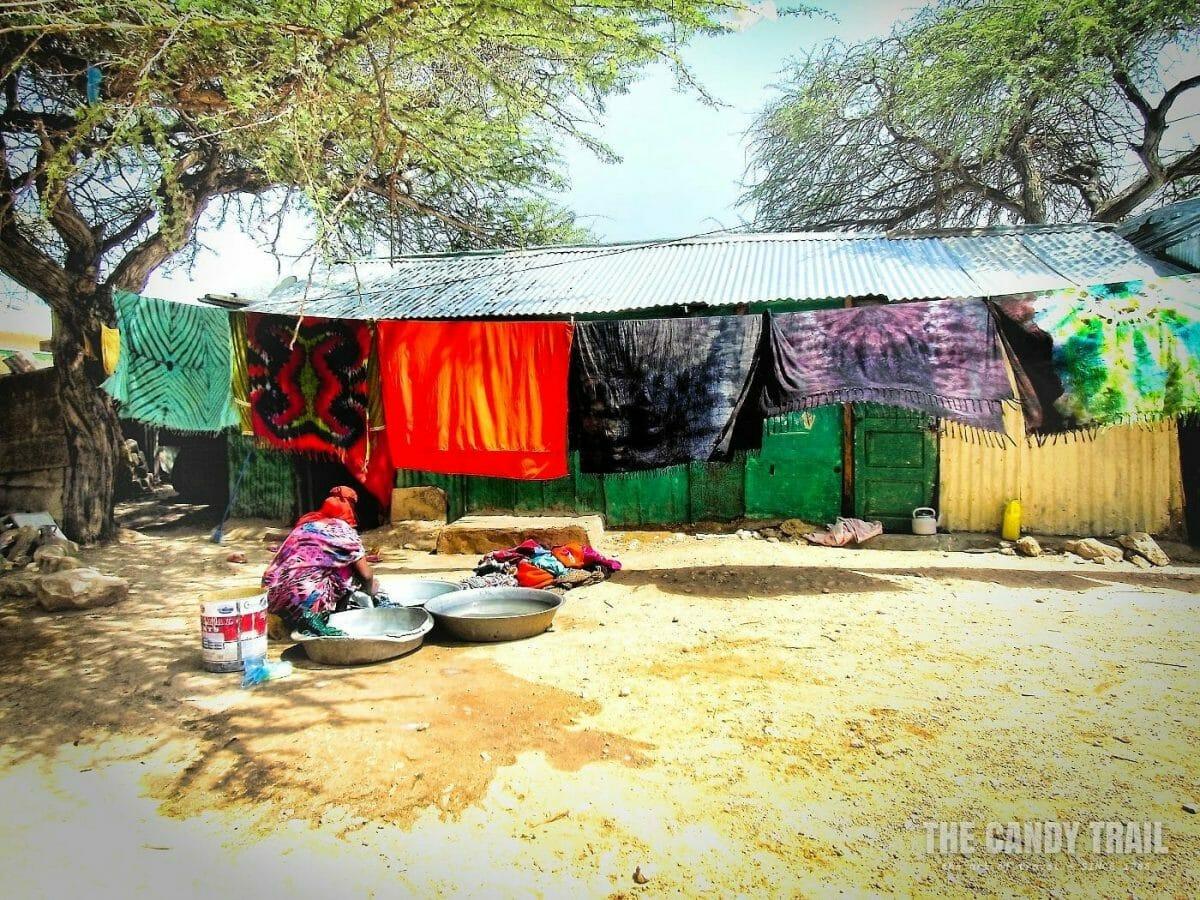 women-washing-clothes-hargeisa-somaliland