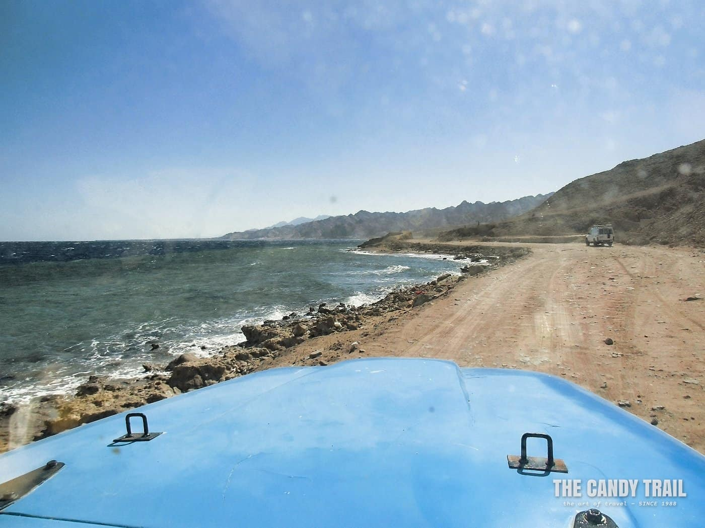 jeep on route to dahab blue hole in egypt
