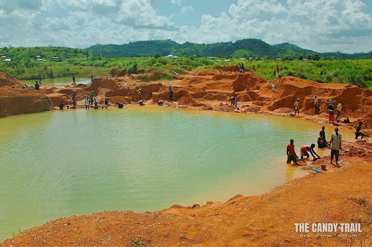 open-pond-mining-diamonds-kono-sierra-leone