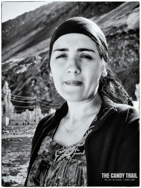 tajikistan-young-woman-female-portrait