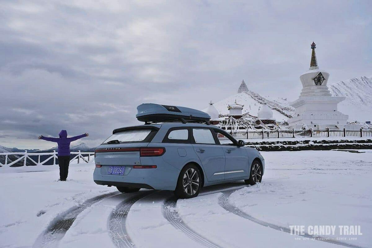 snowy pagoda pass tibetan sichuan china